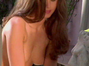 Nicole Voss is watering her steaming hot assets