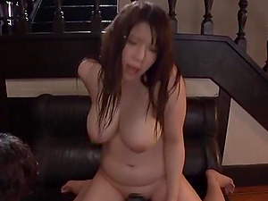 Chubby Japanese mature babe Saegusa Chitose masturbates