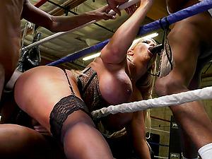 Stunning blonde Alura Jenson enjoys interacial group sex with black gyus