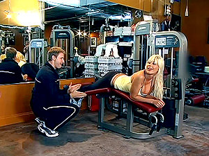 Puma Swede the blonde Mummy gets fucked rough in gym