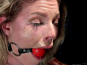 Amateur blonde chick Ella Nova loves to be tied up and totured