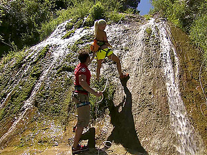 during the mountain climbing Jennifer Love gets her pussy pounded