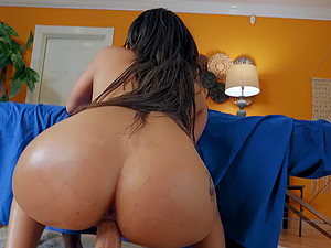 Cassidy Banks spreads her legs for a friend's hard penis on the floor
