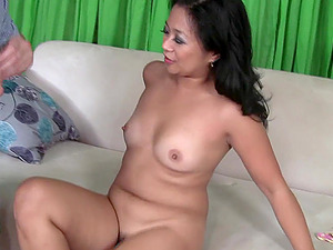 hairy pussy Lucky Starr doesn't need more than a dick for the orgasm