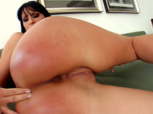 Kinga enjoys double penetration with her friends until everyone cum