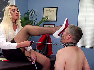 The best role for Aubrey Kate is a sex slave and she adores that game