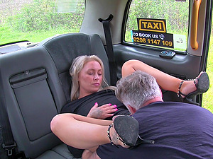Tattooed milf Nova Shields ramming a fat driver's penis in the taxi