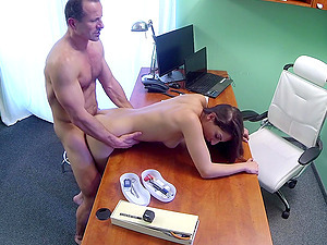 Angel Long gets her cunt fucked and licked in the doctor's office