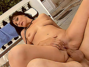Mature Dark haired Cockslut Maybe Oldie But She's Unspoiled Goldie