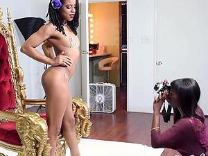 Photoshoot turned to ebony lesbian sex
