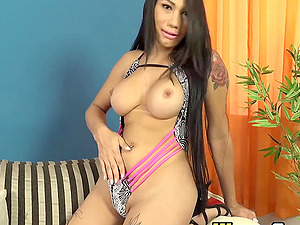Amazing TS Gabrielly Soares solo cock wanking