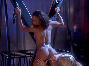 Lesbian BDSM and a slave role is amazing experience for Brooke Banner