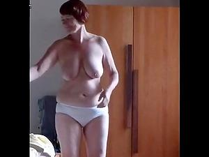 Unshaved mature masturbates thinking about hard friend's penis