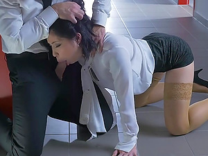 Asian secretary Rina Ellis in pantyhose gets penetrated deep