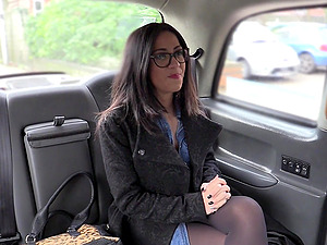 Spanish tourist Julia de Luca gets fucked by the horny taxi driver