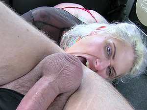 Busty blonde girl flashes her tits to the horny taxi driver
