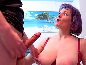 Horny guy seduced mature lady and they both enjoyed hardcore fuck