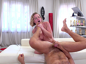 Valentina R gives a rimjob and gets her tight asshole punded