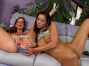Angel Dark and Sandra Shine fucktoy their twats and donks