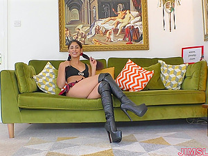 Sahara Knite in leather high heels eats cum after having sex