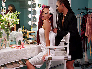 Passionate oral sex before wedding - Kira Noir and Sabina Rouge