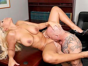 Bald boss slides his prick in orgasmic cunt of cougar Bridgette B.