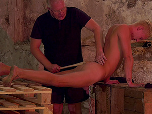Amateur torture session with a male slave and a male pervert