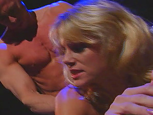 Amateur blonde MILF Missy enjoys having her pussy licked and fucked
