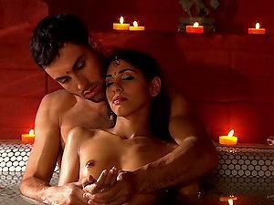 Amazingly Sensuous Tantra Scene with Gorgeous Sahara Knite