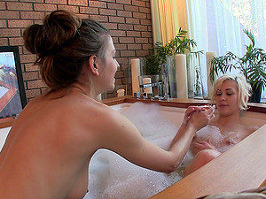 Soapy bath with lesbian sex between Eufrat Mai and her friend