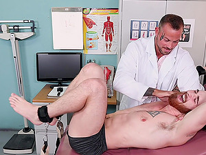 Gay dude gets his feet and body ticked by a dirty doctor. HD