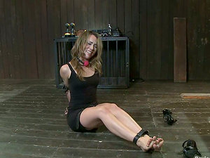 Super-cute Kristina Rose gets her cunt clothespinned and toyed