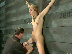 Clothespinned Chastity Lynn gets whipped and toyed