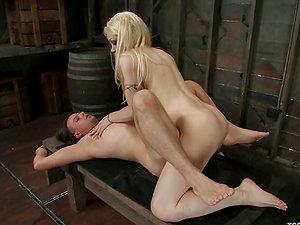 Blonde tranny La Cherry Spice fucks Max Powers's taut butt