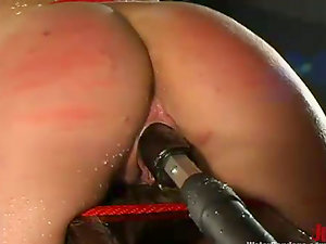 Sexy Kelly Wells gets her moist labia toyed by a machine