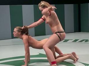 Horny light-haired Alexa fucks her rivals Jennifer