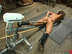 Jasmine Byrne gets unforgettably banged by a fucking machine