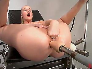 Sharon Wild knuckles her twat getting the machine buttfuck