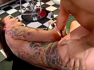 Kerian Lee Fucks His Tattooist While Getting A Tattoo