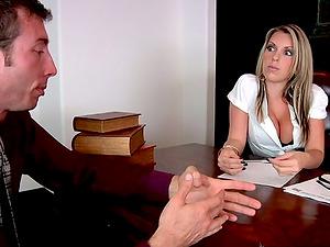 Bodacious Courtney Cummz rails a dick in an office