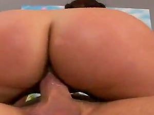 Stunning Gianna Michaels gets her tasty twat fucked deep