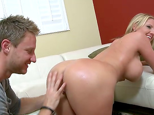 Big-boobed Zoe Holiday gives nice oral pleasure and gets fucked doggystyle
